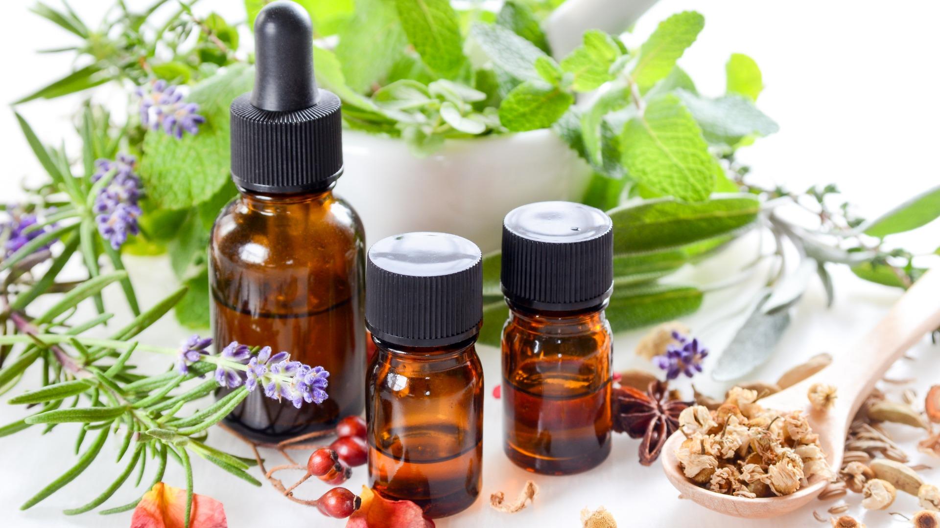 Les 5 huiles essentielles à utiliser pour booster sa productivité au travail